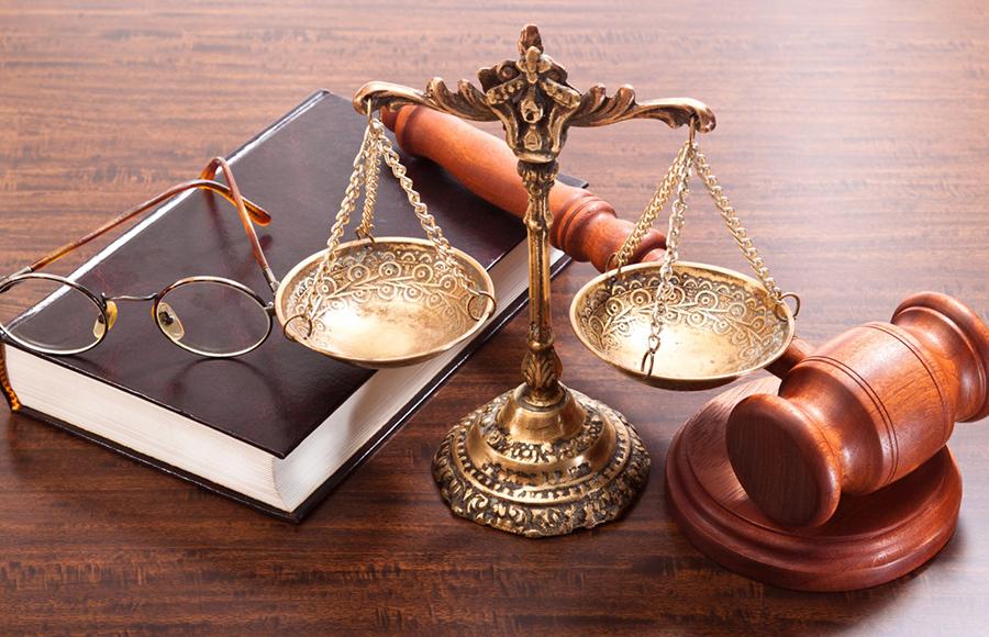 อาชีพยอดฮิตสำหรับคนทำโฮมออฟฟิศ - นักกฎหมาย