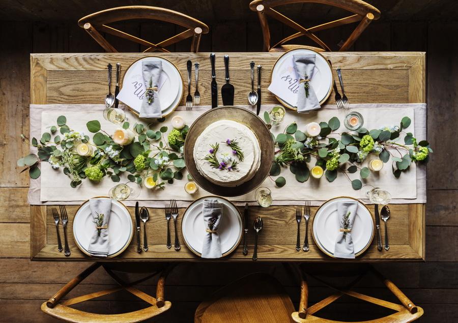 ไอเดียจัดโต๊ะง่าย ๆ ให้เป็นปาร์ตี้สุดหรูในบ้าน