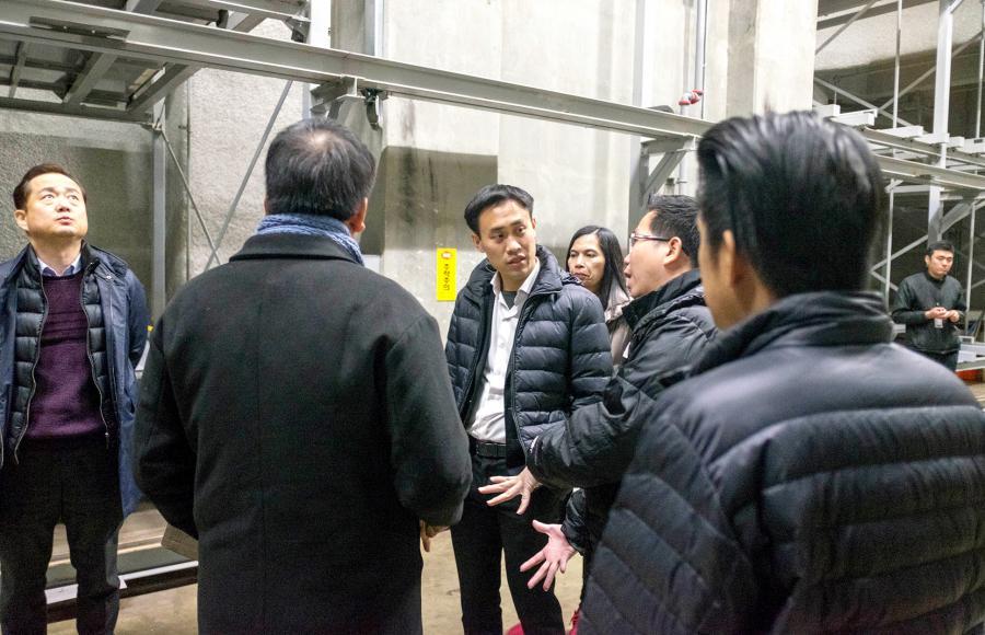 คุณสกุลธร จึงรุ่งเรืองกิจ พร้อมด้วยทีมงาน เข้าเยี่ยมชมระบบ Auto Parking ที่ประเทศเกาหลีใต้