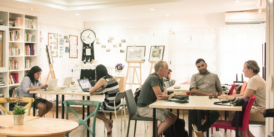 COOL CO-WORKING SPACE IN TOWN  - MADEEHUB